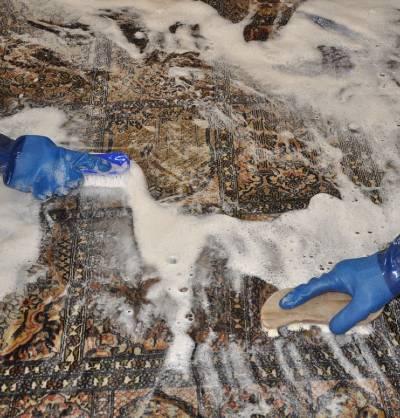 Bio-Handwäsche in der Teppichreinigung